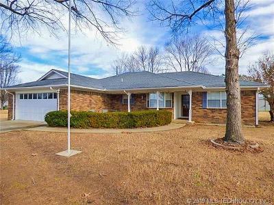 Stigler Single Family Home For Sale: 208 S Bk 1250 Road