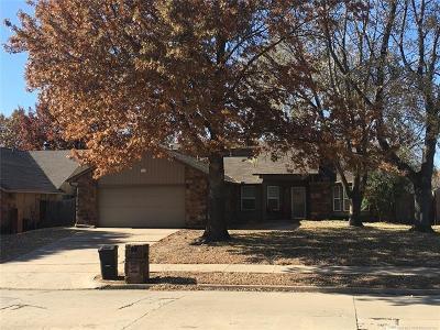 Broken Arrow Single Family Home For Sale: 2618 S Gardenia Avenue