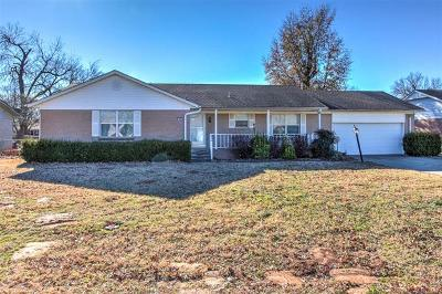 Bixby Single Family Home For Sale: 20 W Stadium Road