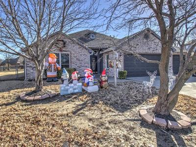 Owasso Single Family Home For Sale: 11704 E 101st Street North