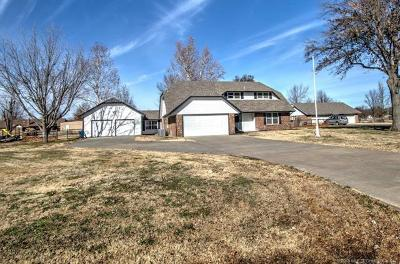 Single Family Home Sold: 9114 N 153rd East Avenue