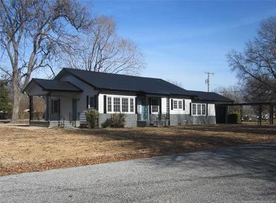 Stigler Single Family Home For Sale: 207 NW G Street