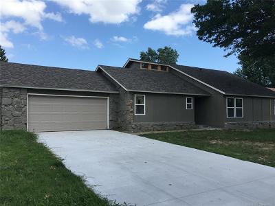Broken Arrow Single Family Home For Sale: 1201 S Walnut Avenue