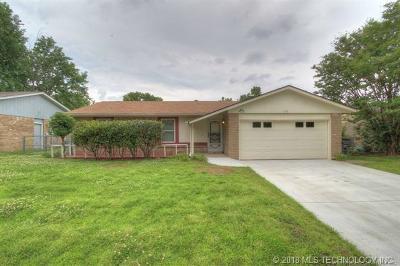 Glenpool Single Family Home For Sale: 608 E 138th Place