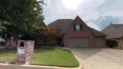 Tulsa Single Family Home For Sale: 7816 E 100th Street