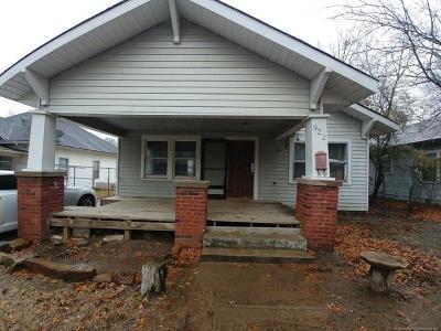 Okmulgee Single Family Home For Sale: 922 N Oklahoma Avenue