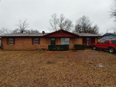 Okmulgee Single Family Home For Sale: 504 W Yuchi Drive