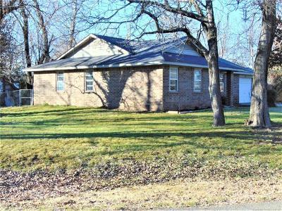 Wagoner Single Family Home For Sale: 1001 N Gertrude Avenue