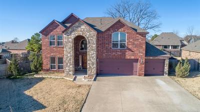 Broken Arrow Single Family Home For Sale: 2519 W Little Rock Place