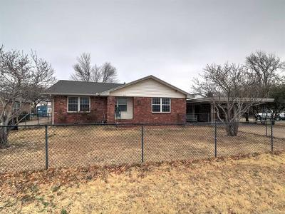 Jenks Single Family Home For Sale: 423 E Comanche Street
