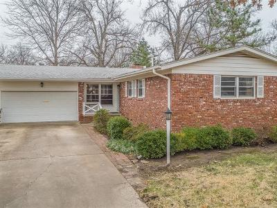 Tulsa Single Family Home For Sale: 5649 S Yorktown Place