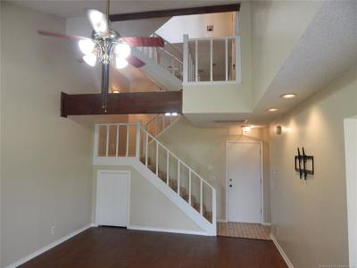Broken Arrow Condo/Townhouse For Sale: 1206 Idyllwyld Street