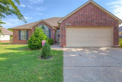 Coweta Single Family Home For Sale: 29811 E 137th Place