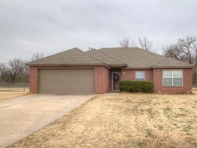 Sand Springs Single Family Home For Sale: 15150 W 18th Place S