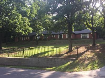 Tulsa Single Family Home For Sale: 7822 S Louisville Avenue