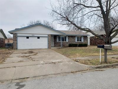 Broken Arrow Single Family Home For Sale: 2014 W Toledo Street