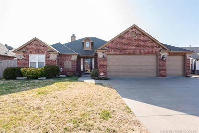 Broken Arrow Single Family Home For Sale: 1719 W Birmingham Street