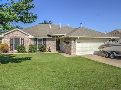 Sand Springs Single Family Home For Sale: 5210 Greenan Drive