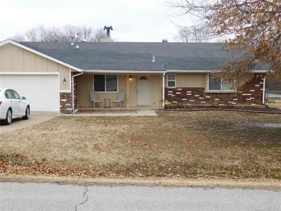 Claremore Single Family Home For Sale: 25197 S Oak Street
