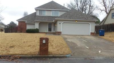 Tulsa Single Family Home For Sale: 7505 S 86th East Place