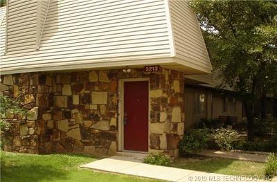 Tulsa Condo/Townhouse For Sale: 2212 E 66th Place #1706