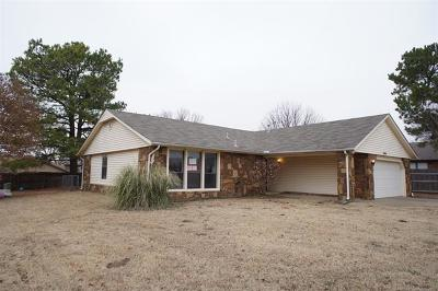Broken Arrow Single Family Home For Sale: 3704 S Narcissus Avenue