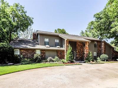 Broken Arrow Single Family Home For Sale: 30 Cedar Ridge Road