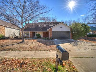 Broken Arrow Single Family Home For Sale: 2625 S Elder Avenue
