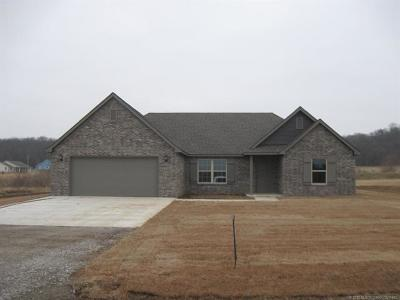 Claremore Single Family Home For Sale: 19420 S Coyote Drive