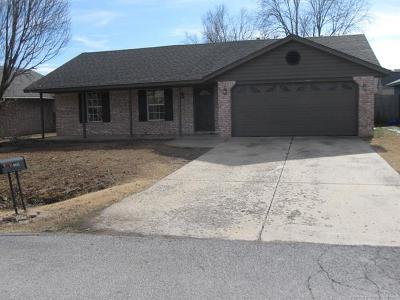 Claremore Single Family Home For Sale: 9442 E Sprucewood Street