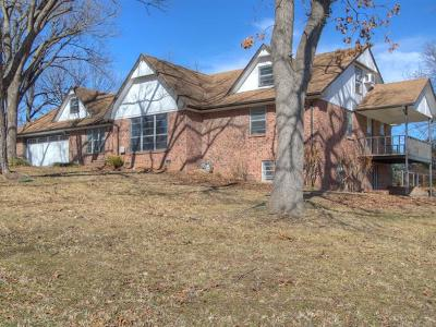 Tahlequah OK Single Family Home For Sale: $179,500