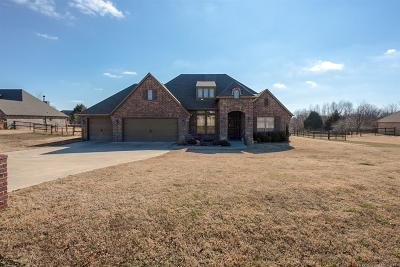 Claremore Single Family Home For Sale: 6130 Engelmann Street