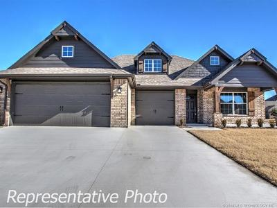 Collinsville Single Family Home For Sale: 13540 N 59th East Place