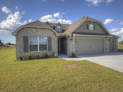 Collinsville Single Family Home For Sale: 5931 E 135th Place North