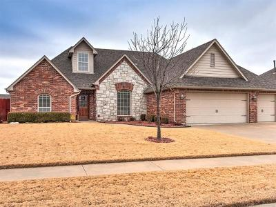 Owasso Single Family Home For Sale: 9302 N 96 East Avenue