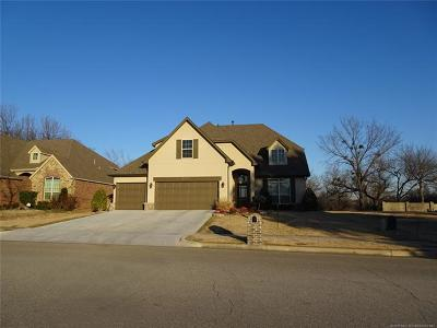 Broken Arrow Single Family Home For Sale: 6111 S 15th Place