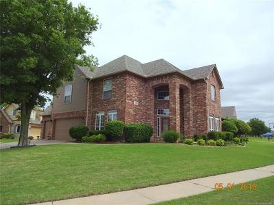 Broken Arrow Single Family Home For Sale: 3405 N Narcissus Avenue