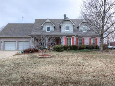Sand Springs Single Family Home For Sale: 37 Bald Eagle Lane