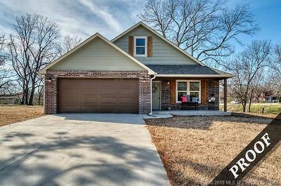 Coweta Single Family Home For Sale: 612 S Atoka Avenue