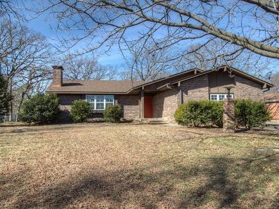 Okmulgee Single Family Home For Sale: 2003 Parkview Drive
