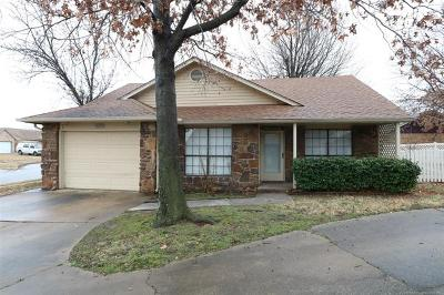 Broken Arrow Single Family Home For Sale: 1605 W Fulton Place
