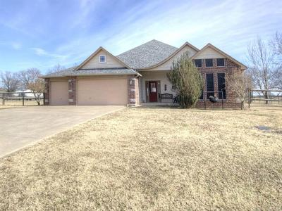 Claremore Single Family Home For Sale: 22065 Riverwood Drive