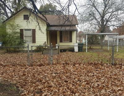 Muskogee Single Family Home For Sale: 1311 Summit Street