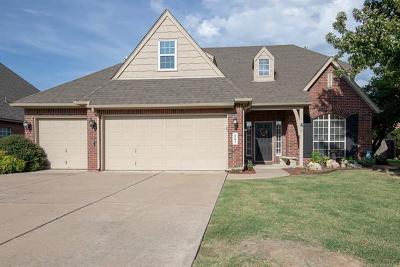 Broken Arrow Single Family Home For Sale: 902 N Butternut Court