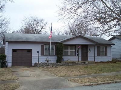 Sand Springs Single Family Home For Sale: 111 W 34th Place