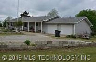 Henryetta Single Family Home For Sale: 402 Elm Street