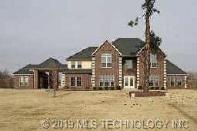 Tulsa County Single Family Home For Sale: 1801 E 46th Street North