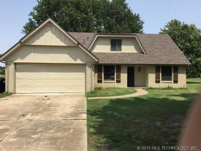 Owasso Single Family Home For Sale: 15605 E 94th Street North