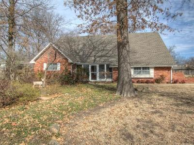 Broken Arrow Single Family Home For Sale: 8405 Doewood Circle