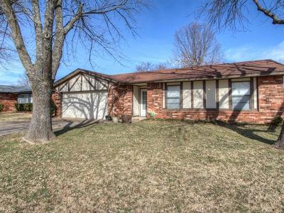 Broken Arrow Single Family Home For Sale: 304 E Vicksburg Street